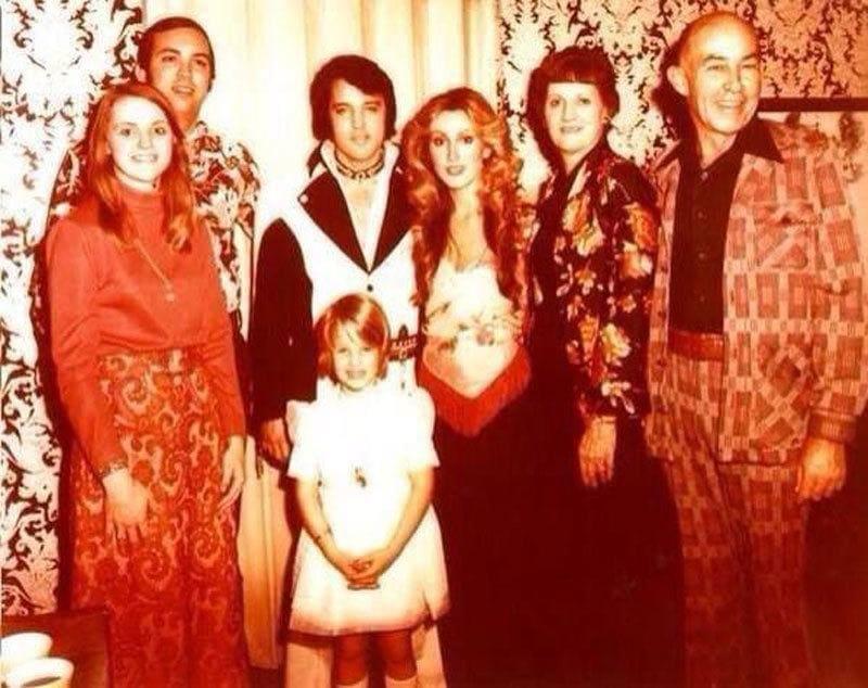 Sam & Louise Thompson, their parents, Elvis, Linda, and Lisa