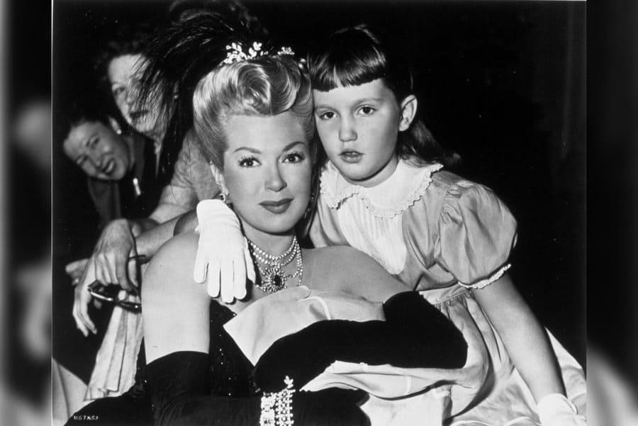 Film Stills of 'Merry Widow' With 1952, Cheryl Crane, Lana Turner in 1952