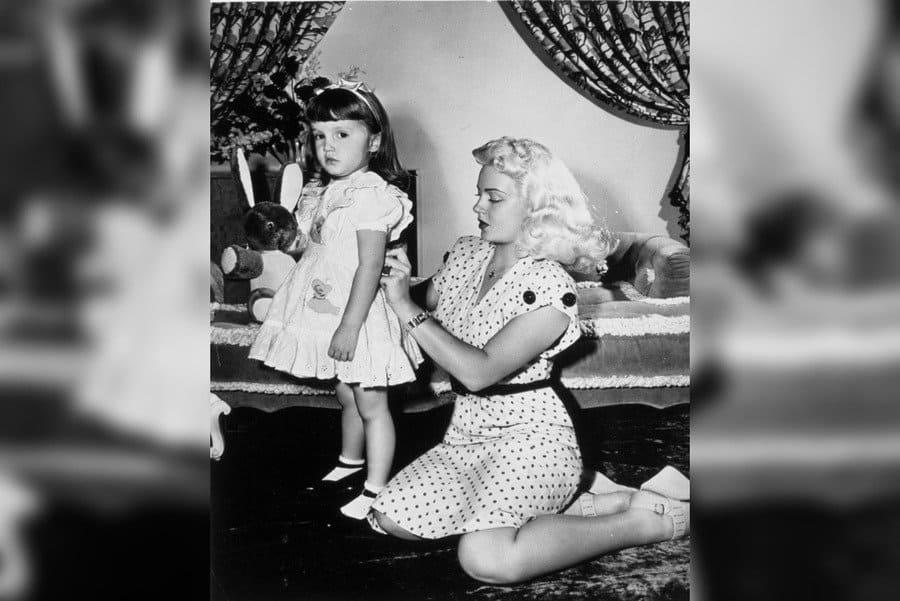 Cheryl Crane, Lana Turner in 1946