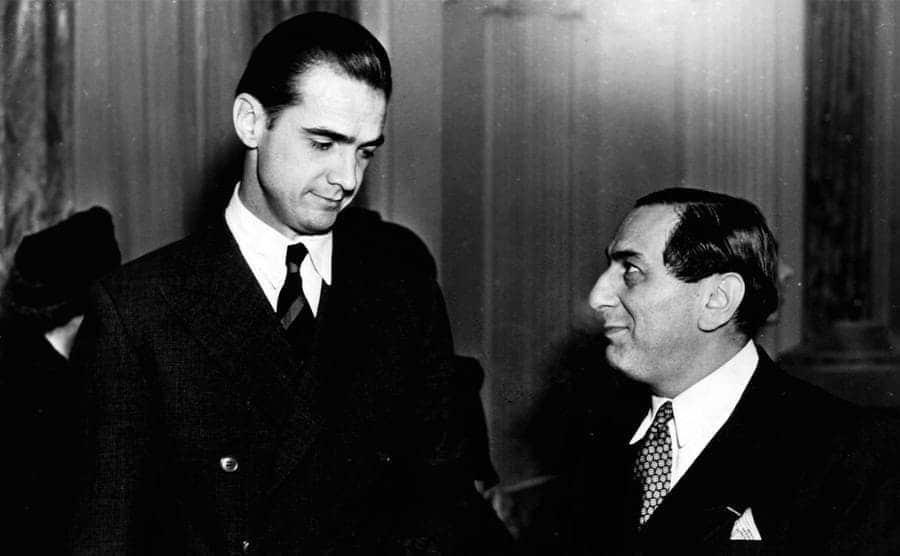 Howard Hughes and Ernst Lubitsch having a conversation