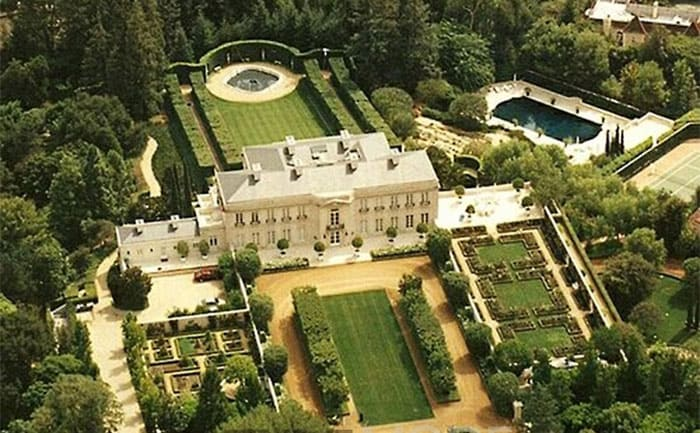 The mansion used in filming