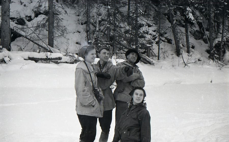 Dubinina, Slobodin, Thibeaux-Brignolle and Kolmogorova (bottom) on the Lozva River