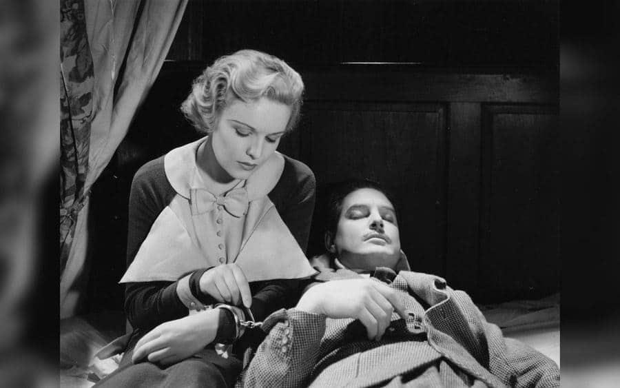 The 39 Steps - 1935, Madeleine Carroll, Robert Donat