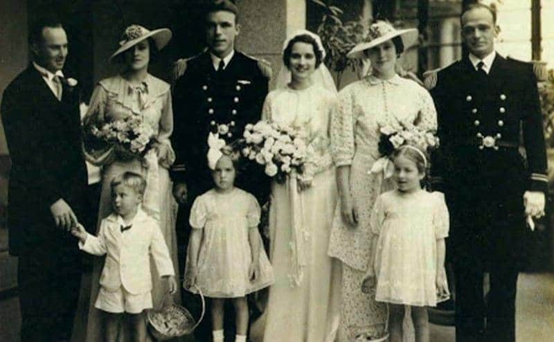 Dudley Mush Morton and Harriet Nelson Marton on their wedding day surrounded by friends