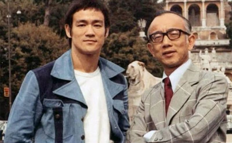 Bruce Lee and Raymond Chao posing together