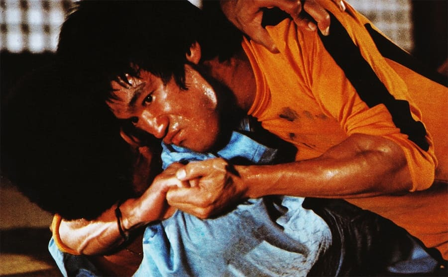Bruce Lee fighting someone in the film Game of Death