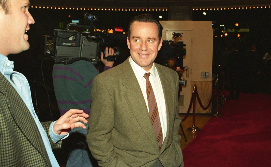 Phil Hartman on the red carpet in 1994