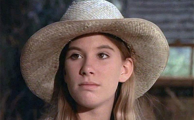 Judy Norton-Taylor as Mary Walton