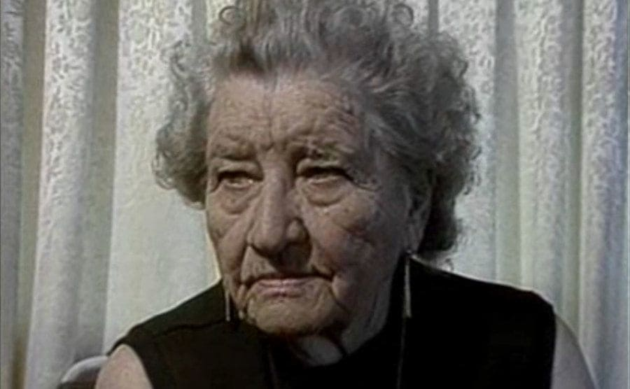 Florence Thompson is giving an interview in her old age.