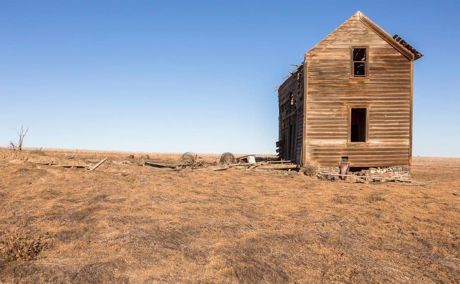 A farmhouse in ruin on the eastern plain.