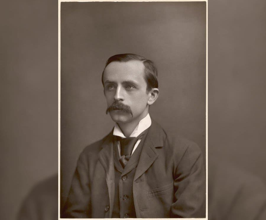 Sir James Matthew Barrie in 1892.
