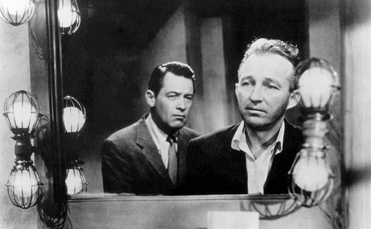 William Holden and Bing Crosby standing in front of a mirror in The Country Girl 1954