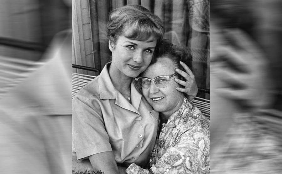 Debbie Reynolds posing with her mother, Maxine