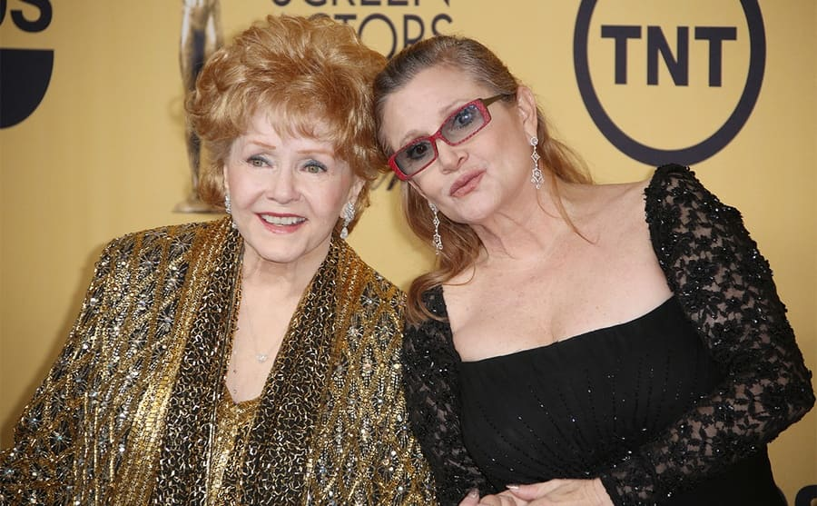 Debbie Reynolds and Carrie Fisher on the red carpet in 2015