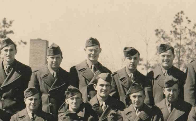Desmond Doss and his fellow soldiers of the 77th Infantry Division posing for a group photograph