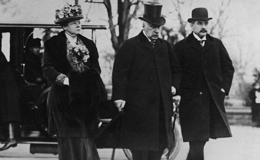 JP Morgan Sr, his daughter, and son walking together