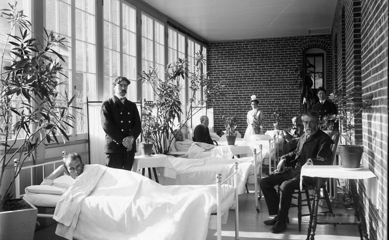 A photograph of the inside of St Elizabeth's Hospital in the 50s