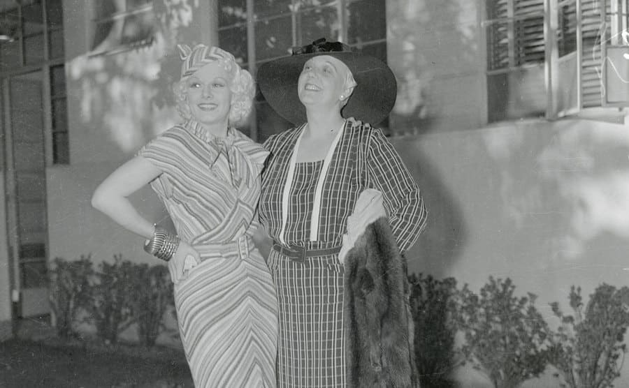 Full-length photo of film star Jean Harlow and her mother, Jean Bello.