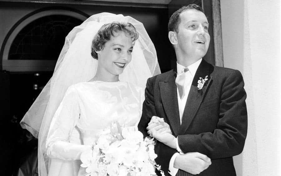 Loretta Young's daughter marries, 1958
