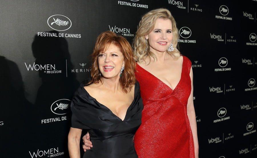 Susan Sarandon and Geena Davis on the red carpet