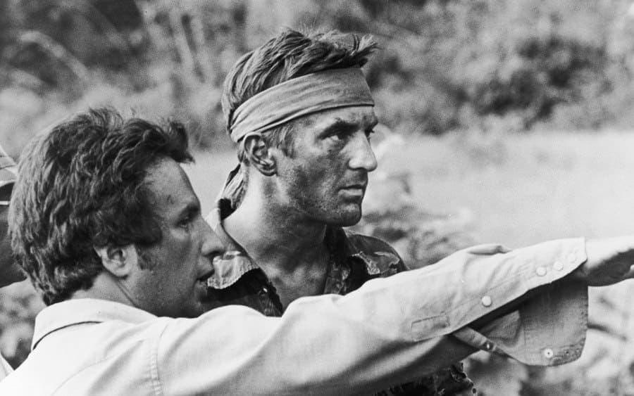 Michael Cimino (left) confers with American actor Robert De Niro