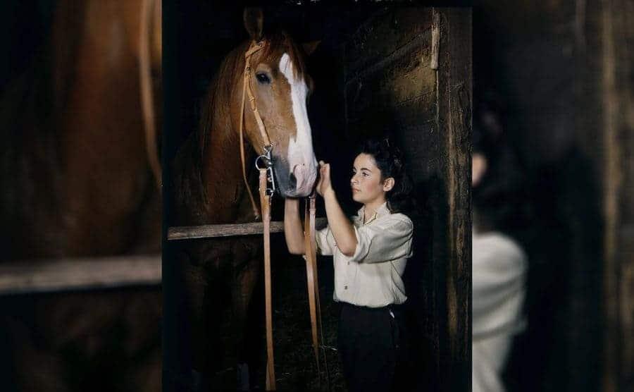 Elizabeth Taylor with the horse in 'National Velvet,' 1944