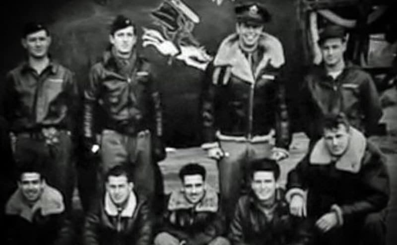 An air force portrait of Julian Harvey and his former comrades.