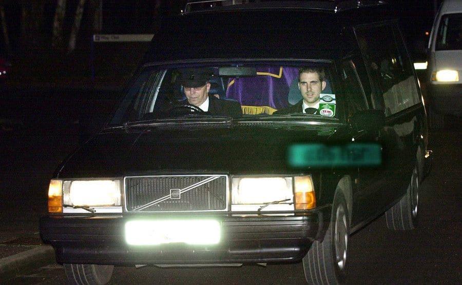 The hearse transports Myra Hindley's body.