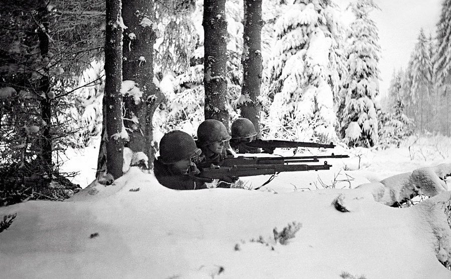Infantrymen in the snow during the Battle.
