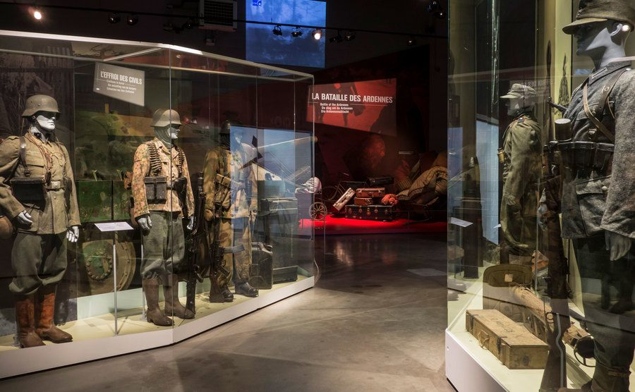 German soldiers' weapons and uniforms in the Bastogne War Museum.