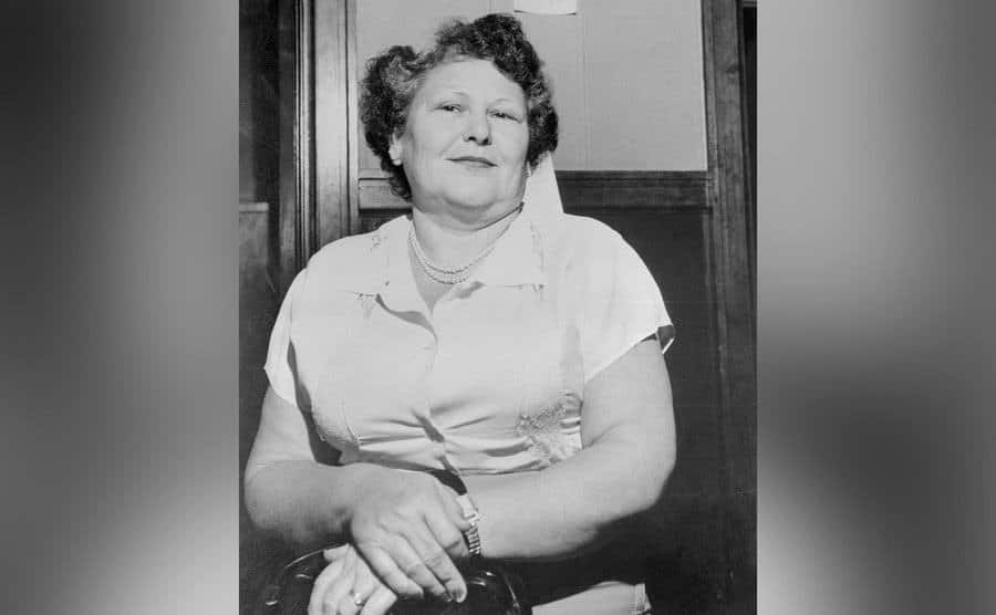 Nannie Doss outside the courtroom.