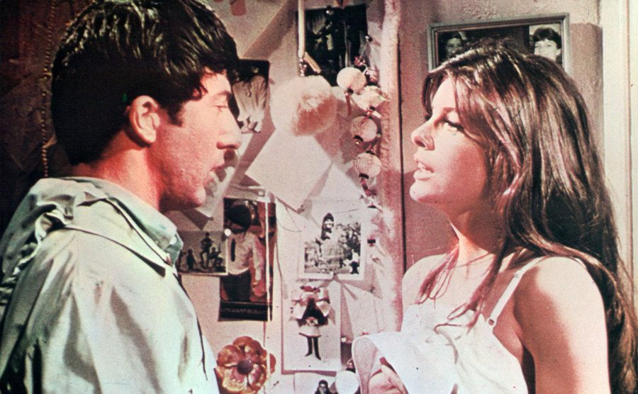 Dustin Hoffman is talking with Katharine Ross in a scene from the film 'The Graduate.'