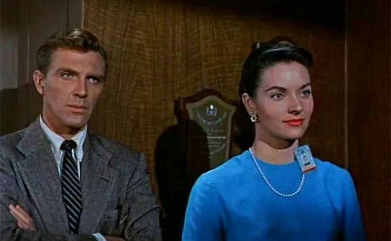 Lee Meriwether and Robert Lansing in a still from 4D Man.