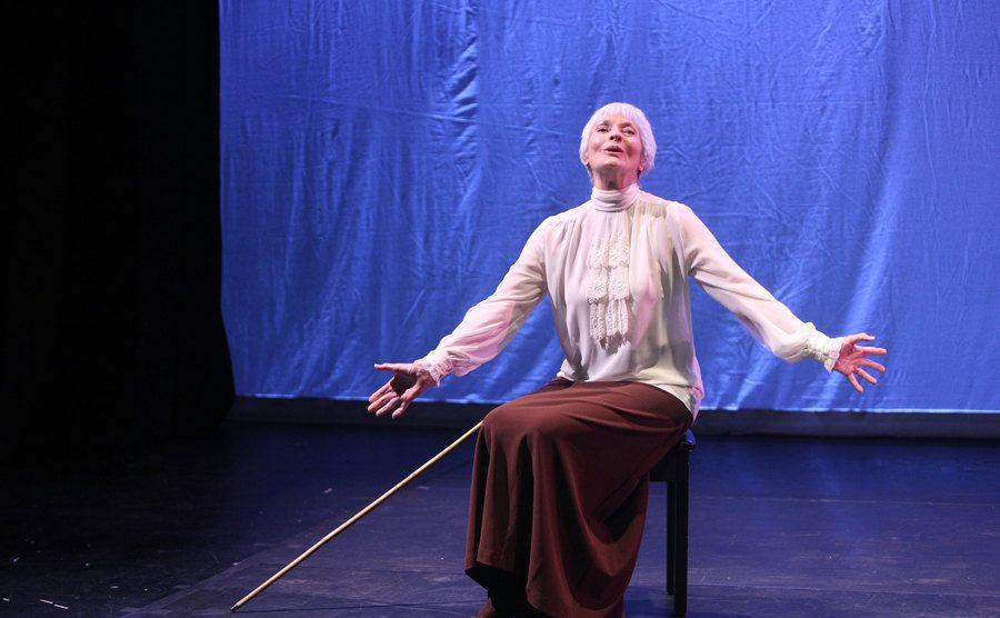 Lee Meriwether performs on stage.