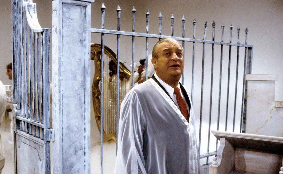 Rodney Dangerfield on the set of the music video for