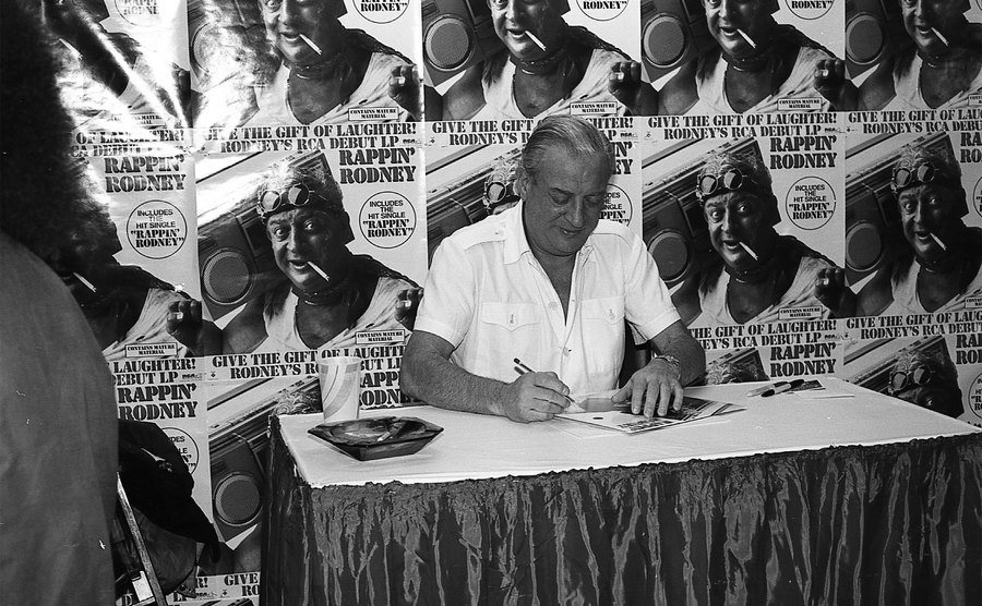 Rodney Dangerfield signs autographs at Downtown Records.